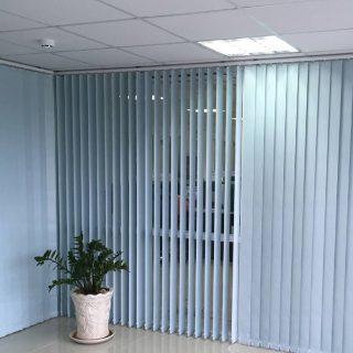 Rèm lá dọc văn phòng